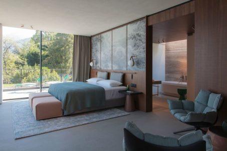Sereno-Como-blue-guestroom-1024x683