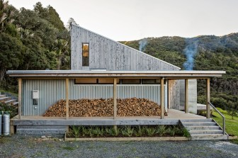 New-Zealand-home-built-with-galvanized-steel-panels