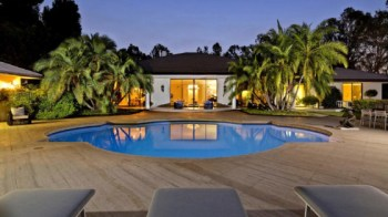 maroon-5-frontman-and-the-voice-judge-adam-levine-drops-18m-for-new-holmby-hills-mansion7