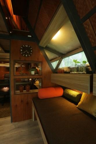 Attic-cabin-features-gable-windows-on-the-ground-floor