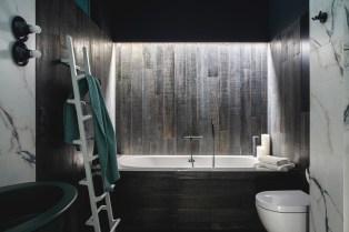 Wood-bath-surround