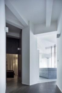 Prague-loft-features-an-interesting-ceiling-structure