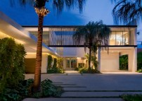 Pine-Tree-Miami-residence-features-screens-that-filter-the-light