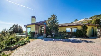 robert-downey-jr-pays-3-8m-for-beachfront-home-in-malibu18