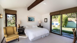 robert-downey-jr-pays-3-8m-for-beachfront-home-in-malibu2