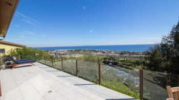 robert-downey-jr-pays-3-8m-for-beachfront-home-in-malibu7
