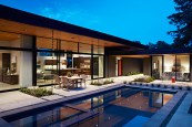 San-Mateo-house-has-large-sliding-glass-doors