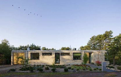Villa-with-flat-roof