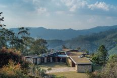 Casa-Gozu-with-a-Colombian-landscape