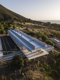 Felipe-Assadi-Arquitectos-concrete-house-roof