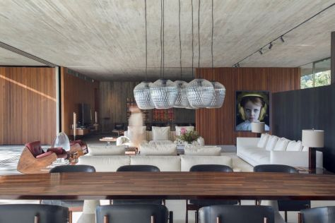 Mi-casa-design-in-Brazil-dining-table-and-glass-bowls-above