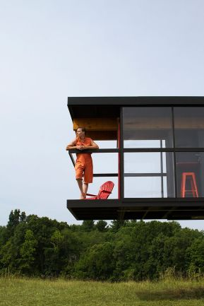 Rotating-and-tilting-House-Project-Balcony
