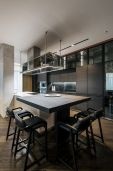 Kitchen-island-with-seating-Kiev-Diamond-Hill-Apartment