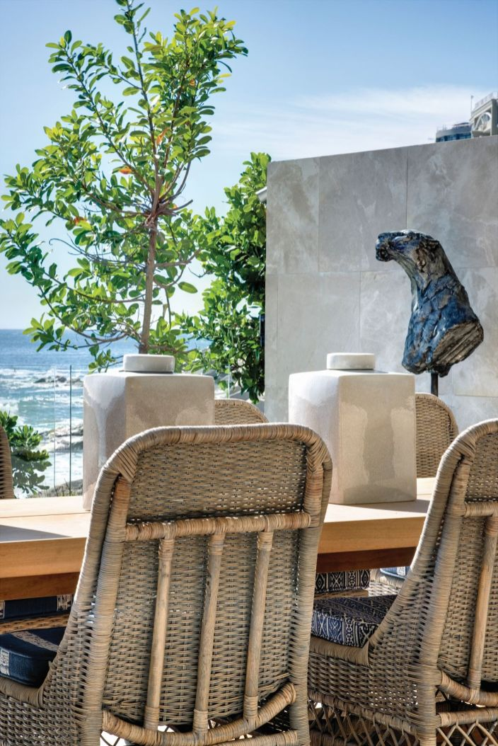 Outdoor-table-Atlantic-Ocean-Clifton-ARRCC-Design