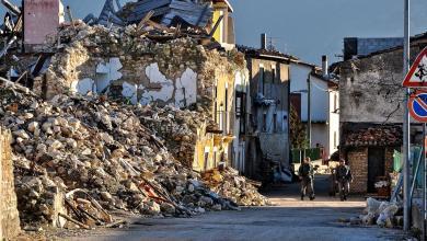 Photo of Ön földrengésveszélyes házban él?!? Magyarországon lehet pusztító földrengés? Könnyűszerkezetes és téglaház földrengéstesztek videón.