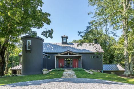 Connecticut-Restored-1797-barn-house-with-silo