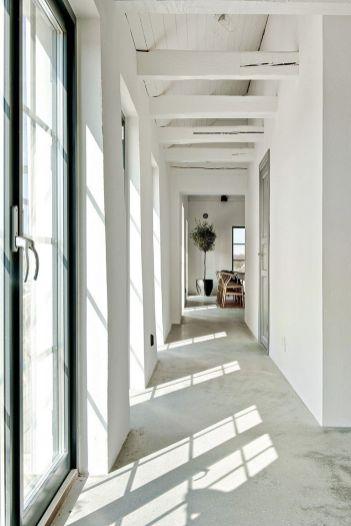 Hallway-Barn-Coversion-in-Sweden