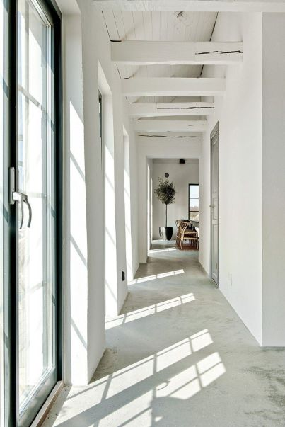 Hallway-Barn-Coversion-in-Sweden