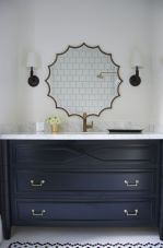 Statement-mirror-sunburst-shape