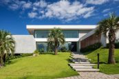 Brazil-Guaica-Residence-Front-yard