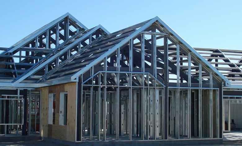 Photo of Könnyűszerkezetes acél családi ház fal, födém és tető vázszerkezetének építése 7 napos kivitelezési határidővel 60.000 Ft-os áfás négyzetméter áron