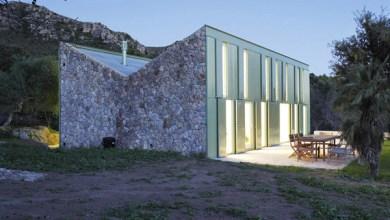 Photo of Kő parasztház rusztikus stílusú külsővel, Spanyolországban