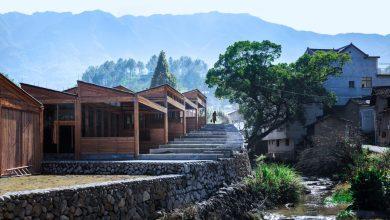Photo of A DnA_Design and Architecture építészeti cég egy stílusos faszerkezetes tofu gyárat épített a kínai hegyekben