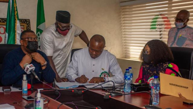 ANAMBRA GUBER: OZIGBO PICKS PDP PRIMARY NOMINATION FORMS, PROMISES EXCELLENCE IN GOVERNANCE