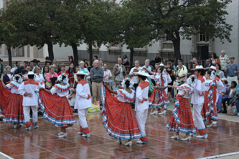 San Diego Celebrates Mexico S Independence Day Kpbs