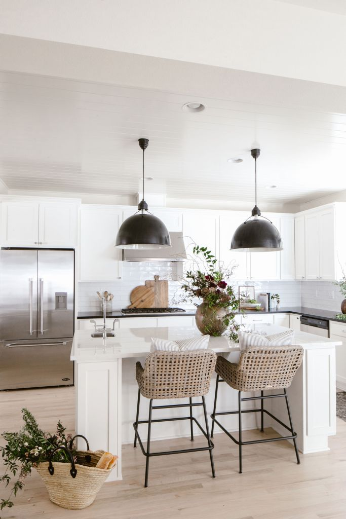 white dove by benjamin moore is a favorite paint color of KPD