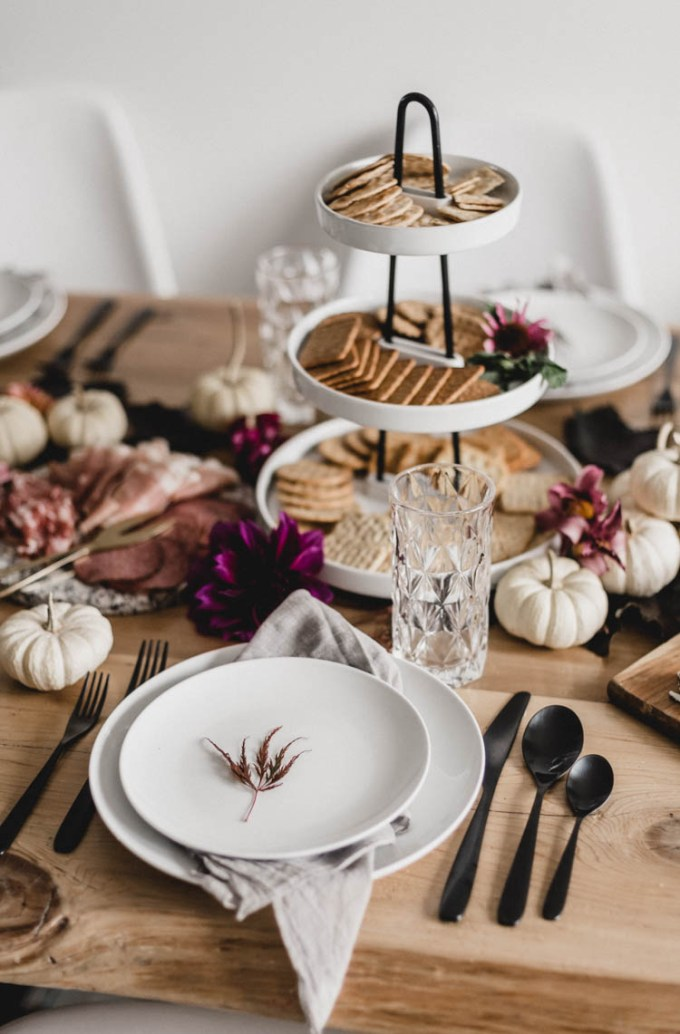 light-moody-thanksgiving-table