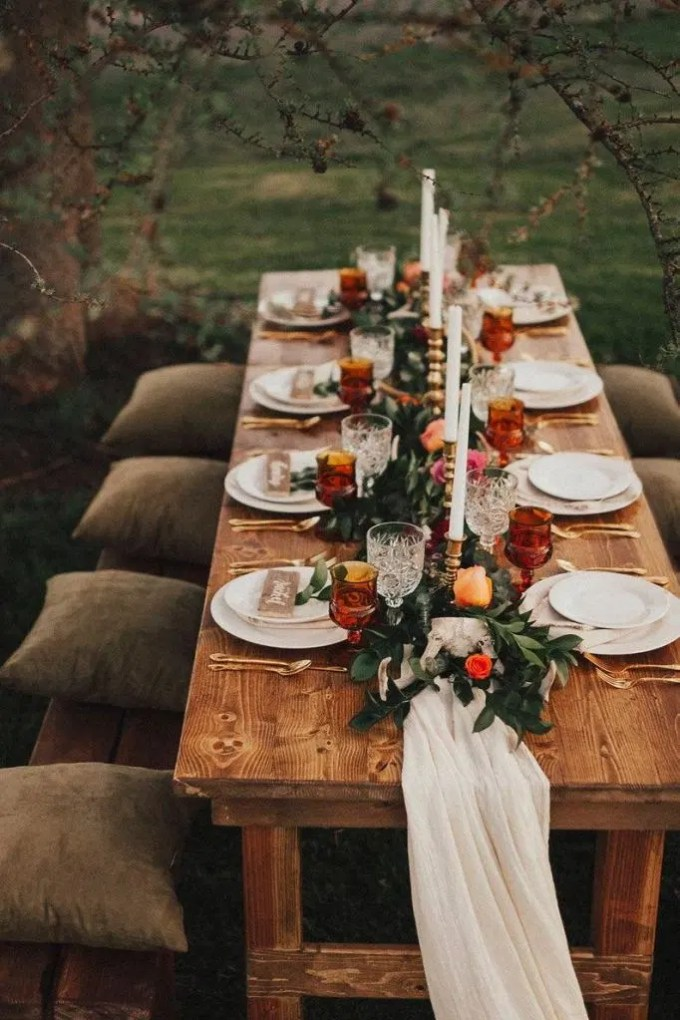 rustic-wedding-thanksgiving-table