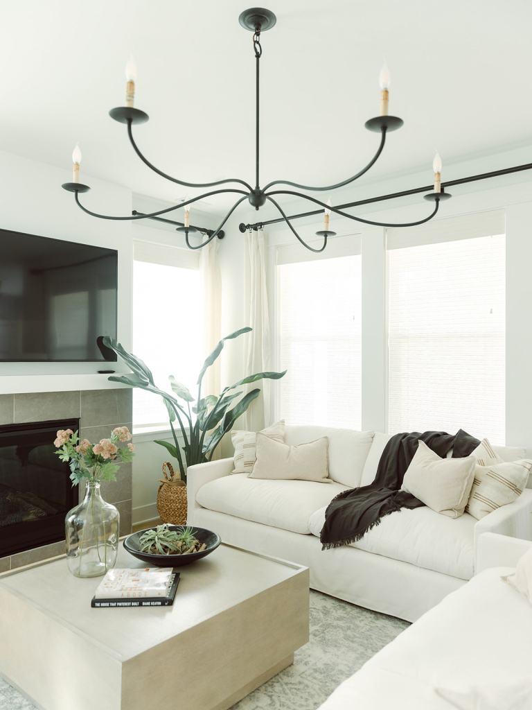 Trailside at Meadowdale Beach - the Trailside Coastal Modern Living Room