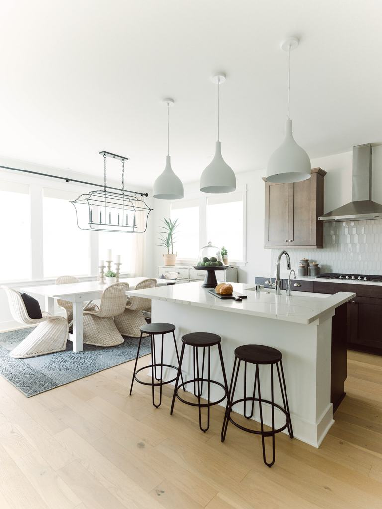 bright and airy dining room and kitchen