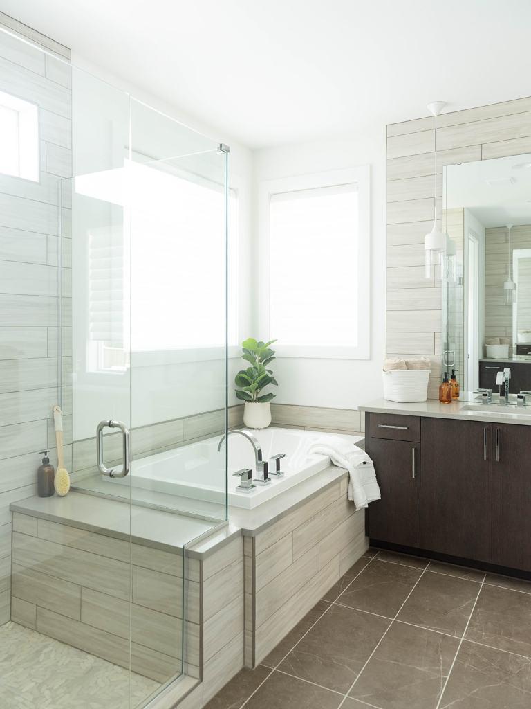 NW Modern primary bathroom