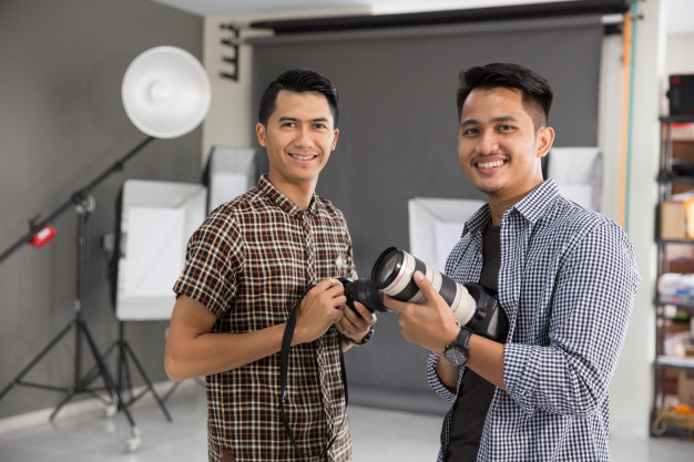 two photographers who are gigster-mentors