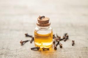 clove-essential-oil-small-bottle