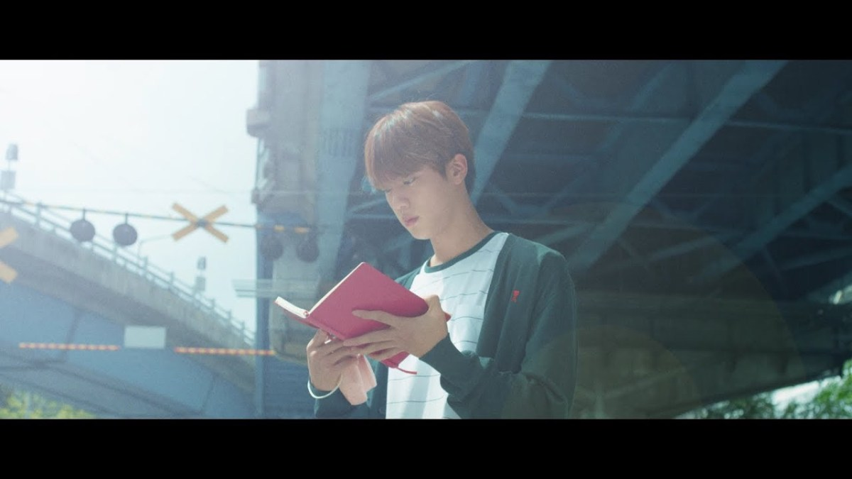 Model Video Highlight Reel 'Love Yourself' BTS Ini Ternyata Trainee SM dan JYP
