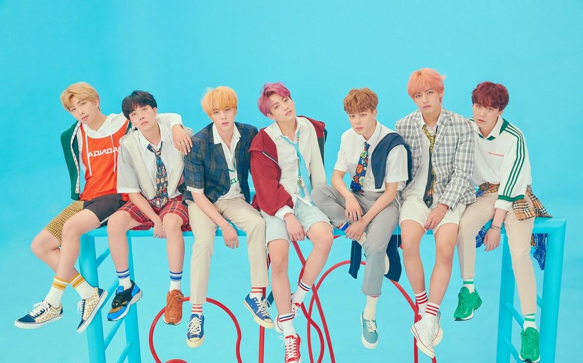 الفرقة العالمية BTS ستقدم أداءً مباشرًا في ميدان تايمز في نيويورك!