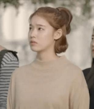 descendants_of_the_sun_park_hwan_hee_yellow_sweater