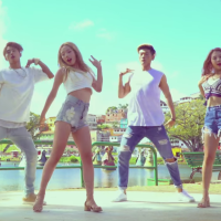 [Review] Hola Hola - KARD