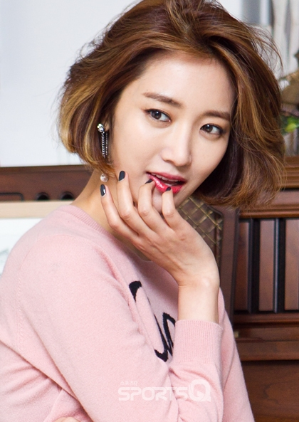 Korean actress Go Jun Hee's trending short hair, Korean hairstyle