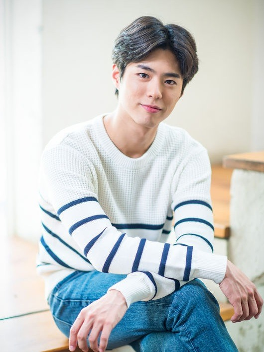 korean kdrama star actor park bo gum middle part parted hairstyles for kpop idol men asian korean guys