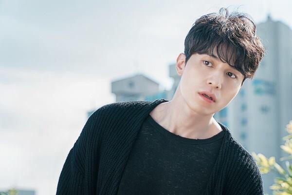 korean kdrama drama goblin actor lee dong wook's goblin hairstyle curly wavy hair hairstyle hairstyles for guys kpop idols kpopstuff