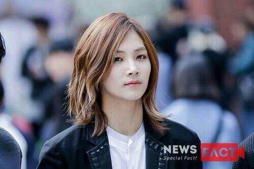 korea korean kpop idols boy band groups seventeen jeonghan's envied hair long hair hairstyles for guys kpopstuff
