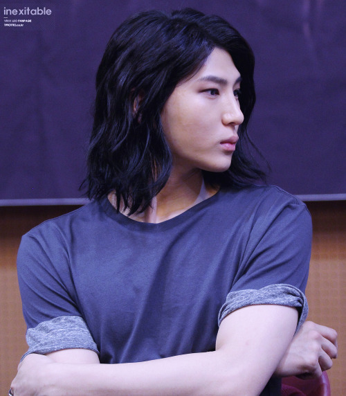 korea korean kpop idols boy band group VIXX vixx leo long black hair hairstyles for guys kpopstuff