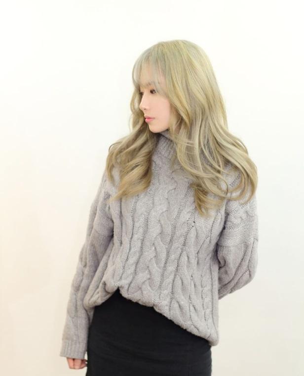 korea korean kpop idol star how to kpopstar tutorial grey blonde brown ash gray hair color dye hairstyles for girls wavy kpopstuff left profile