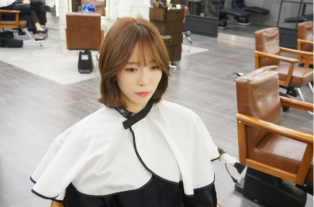 HOT STYLE SHORT CCURL PERM WITH SEE THROUGHBANGS Kpop - Curly short hair kpop