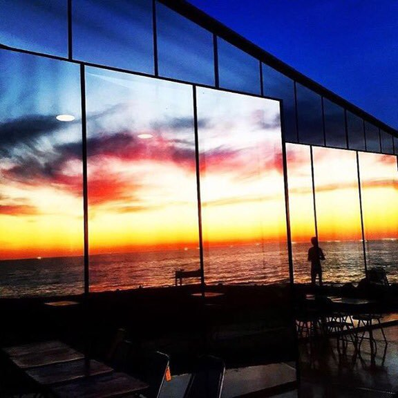 korea korean kpop idol boy band group big bang gdragon's cafe the monsant cafe jeju island korea destinations for kpop fans mirrors sunset view kpopstuff