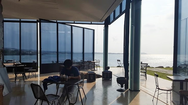 korea korean kpop idol boy band group big bang gdragon's cafe the monstant cafe jeju island korea destinations exterior ocean view kpopstuff